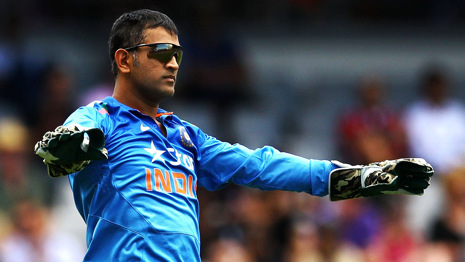 World Reacted on MS Dhoni Stepped Down as Captain of Team India