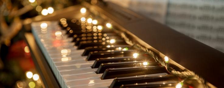 Arrange Music in Christmas