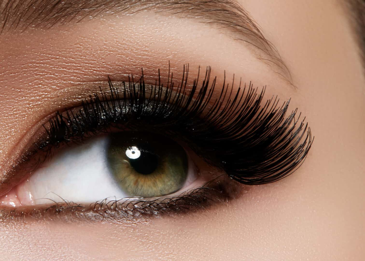 How To Use Castor Oil For Eyelash Growth? – Guide